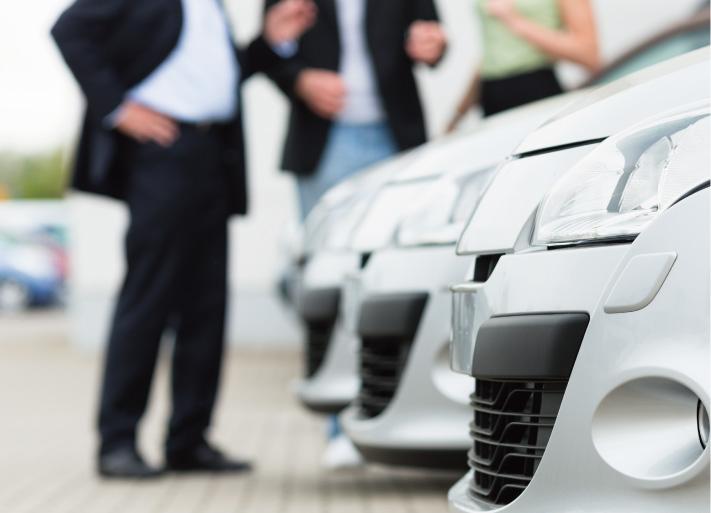 車買取を検討中写真